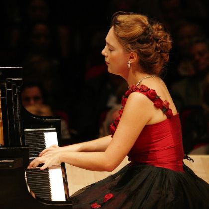 /news/steinway-artist-events/katya-grineva-returns-to-carnegie-hall